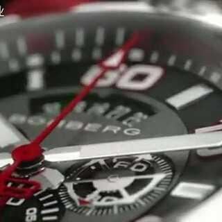 BB厂出品 Bomberg是一个年轻的瑞士制表品牌,作品设计大胆创新,利用粗犷线条、健硕的外型,打造充满男性魅力的时计。品牌的BOLT-68系列时计,搭载瑞士原机3540D机芯。可随意转换腕表和怀表造型,只需把时计从表带中拆出,再安装到挂链上,便可从腕表变成怀表,是真正的Toys for boys。