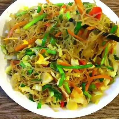 蔬菜 炒米粉 #美食##夜宵整点啥##爱上美味素食#@全娜拉