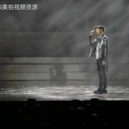 今天是超酷的天龙哥哦,四周年南京演唱会王源个人舞蹈solo视频#tfboys##王源#