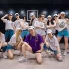在热闹的时代,跳出属于自己的姿态。单色舞蹈小楚老师@Desperados-kala楚 #编舞#《girls like》,一起感受练习室内这支不一样的#urban dance#!咨询#舞蹈#微信:danse120