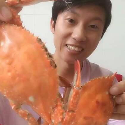 好多人问哥,二母蟹是什么鬼,二母蟹就是未经房事呢少母蟹,完美解答,掌声。源鲜生海鲜铺👉http://shop.m.taobao.com/shop/shop_index.htm?user_id=37948246 #吃秀##美食#