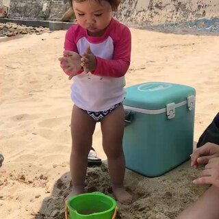 夏天就是要陽光沙灘泡水🌞🏖️#妍寶##海灘沙灘#