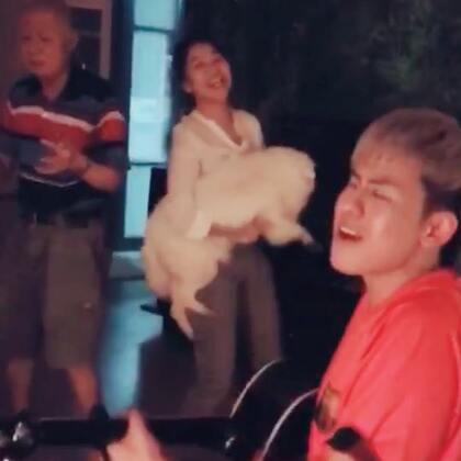 找到了一个旧视频!和我好朋友 @Belinda李心钰 一起唱歌!😝#音乐##吉他弹唱##搞笑#