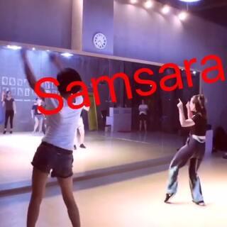 #美拍大师##电音舞Samsara #第三节课,小仙女们都棒棒哒,你们需要的就是时间练习,相信会越来越好 💪