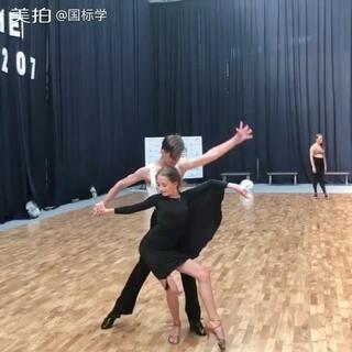 能量与张力😍这支伦巴在你心里打几分?👍#舞蹈##拉丁舞##热门#