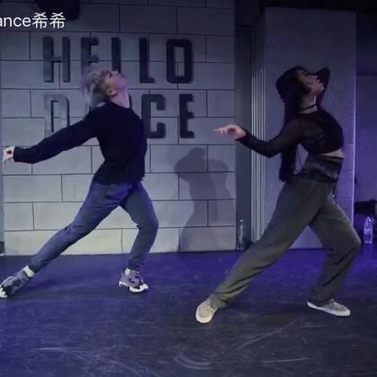 音乐🎵Paper Love #原创编舞##热门#我居然没有发出来 补上我我们的 暑期集训workshop @小君君Joyce #hellodance#@HelloDance舞蹈工作室