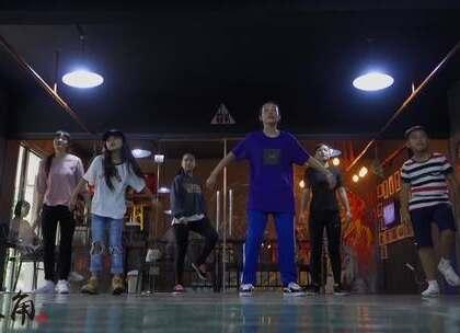 #铁三角##昆明##街舞#暑假班梦君老师hiphop视频😘 Music : Still Ballin'