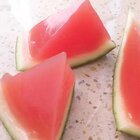 小朋友肯定喜欢的<西瓜果冻>,吃起来冰冰凉凉,清清爽爽#美食##甜品##街边小吃#@美食频道官方号 @美拍小助手