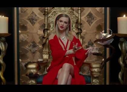 霉霉Taylor Swift新单《Look What You Made Me Do》MV首播!霉霉多种造型亮相!这气场,太强大了,和歌曲一样,非常暗黑,超酷!😍