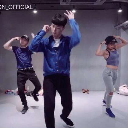 #舞蹈##1milliondancestudio##1M# Kasper编舞 2U 更多精彩视频请关注微信公众号:1MILLIONofficial