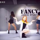#舞蹈##Gashina 宣美##敏雅音乐#这首歌真的越听越好听呢 下一首要跳泫雅的babe?🙈@美拍小助手 @敏雅可乐 @舞蹈频道官方账号