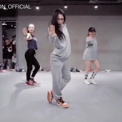 #舞蹈##1milliondancestudio##1M基础# Mina Myoung编舞Sorry Not Sorry 更多精彩视频请关注微信公众号:1MILLIONofficial