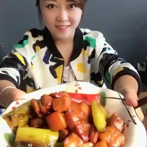 【霏儿梦想秀美拍】#美食##家常菜#虎皮尖椒红烧肉.....