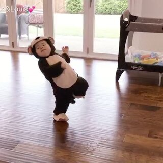😂😂😂说点什么好呢……喜欢看这姐弟俩的视频就点个赞吧!#宝宝#(封面图亮了……🙈)
