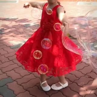 #混血lucy成长记# 你是我的软肋、也是我的铠甲(你是我在乎的人、也是我想保护的人)爱吹泡泡的女孩😘😘😘#宝宝#