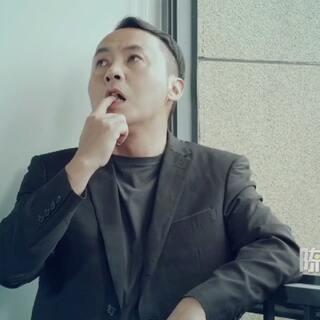 """一个陌生女人的kiss… #陈翔六点半# 转发此视频并@ 两位好友,在评论中说出你爱情的味道,格式:""""我的爱情是____味道的糖果""""。我将按要求抽2位参加活动的小伙伴,每人300元现金大奖!拿去买糖吃!"""