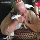 当人们第一次收到小狗作为礼物时的惊喜反应,好暖❤看哭了😭