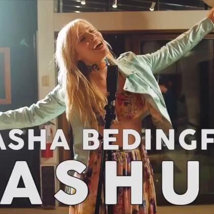 #晚安翻唱#我是一张白纸,没人可以读懂我的思想,没人可以为我书写定义。(歌曲:Natasha Bedingfield MASHUP-翻唱制作:Natasha Bedingfield & KHS) #U乐国际娱乐##热门#