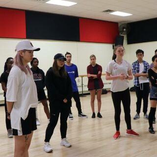 和加拿大dance r们一起batt le #舞蹈##直播舞蹈#