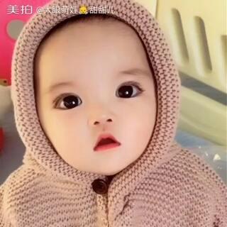 #萌宝宝#看电视看入迷了