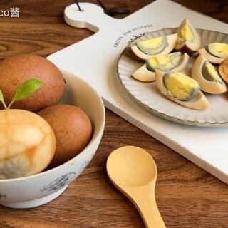 茶叶蛋,🙈家人尝后第一句话就是 比外面卖的好吃!!方法很简单 食材也很家常!推荐给大家 希望你们和家人也都能喜欢💕#美食##街边小吃##汤圆爱美食#