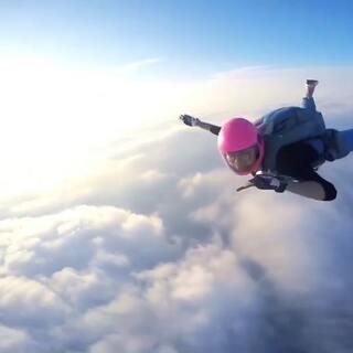 单飞才爽😎#高空跳伞#