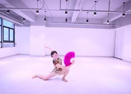 风情万种的小寒老师演绎经典《卡门》,唤起你对旧#上海#的风云记忆#舞蹈##派澜舞蹈##我要上热门#@美拍小助手@舞蹈频道官方账号
