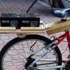 男子在自行车上加个发动机瞬间变身电动车,带劲了!👍👍👍👍