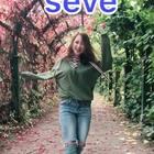 #seve##带着美拍去旅行#很喜欢这条小道,一半红一半绿~#舞蹈#@旅行频道 @舞蹈频道官方账号 @美拍小助手