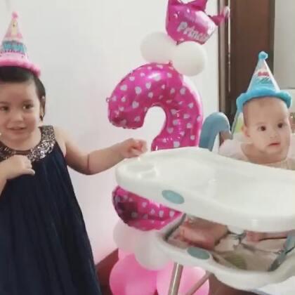 """生日🎂""""大惊喜""""🍡姐姐昨天三周岁了!#宝宝##混血儿#"""