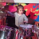 乐器玩得停不下来的节奏,以后是想组乐团么😂?#宝宝##音乐宝宝#