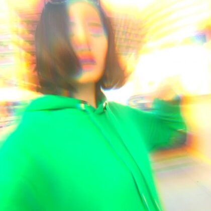 拍的过程中眼镜以每秒0.5厘米的速度再慢慢滑下来~#市中心##嘻哈有戏##耍帅时刻#@美拍小助手
