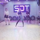 今天带来的是#1million dance studio#的#舞蹈##bang bang# 都是零基础的学员 只学了几节课的成果哦!