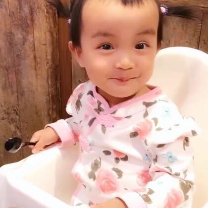 #龙凤胎兄妹俩# 谁家的小丫头呀??😂😂😂😂😂😂😂笑死我了😂😂😂😂😂😂😂 #搞笑宝宝#