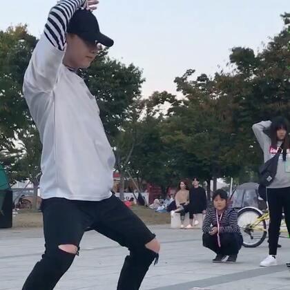 #liberty##李在奂##exo##前夜##hwan##舞蹈#汉江公演 exo前夜 明天小哥哥会公演 可以的话会直播 中国时间4点的样子 有空的宝宝看过来😜