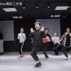 #年会##咖喱咖喱##舞蹈#年会集体舞跳什么❗咖喱咖喱再合适不过啦✌🏽简单活跃气氛好,你的年会舞蹈选好了吗?🤡🎥💃🏼