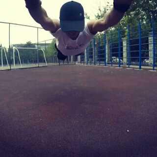 #运动##街头健身##美拍运动季#飞起来!😃