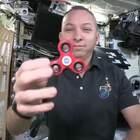 在太空中玩#指尖陀螺#见过吗#涨姿势#