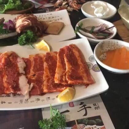 烤肉#吃秀##热门##阿婷食光记#我干吧吃饭,岩哥干吧吃肉,真是一家人啊