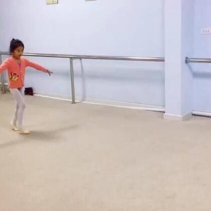 最开心上舞蹈课!😀😀😀😀#我要上热门##宝宝##宝宝频道#