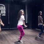 小鱼老师的课堂视频 ! @XoY余 拨弄头发的那叫一个美啊 ! 😍😍 突然很期待小鱼老师穿高跟鞋跳舞 😎😎😎#舞蹈##嘉禾舞社##嘉禾#@嘉禾舞社大连中山店