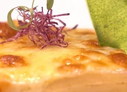 #美食##米其林餐厅##大蔬无界# 我想让素食摆脱传统斋菜的标签,不仅要更健康,做得更好吃,还要让更多人接受。 ——宋渊博(大蔬无界创始人)