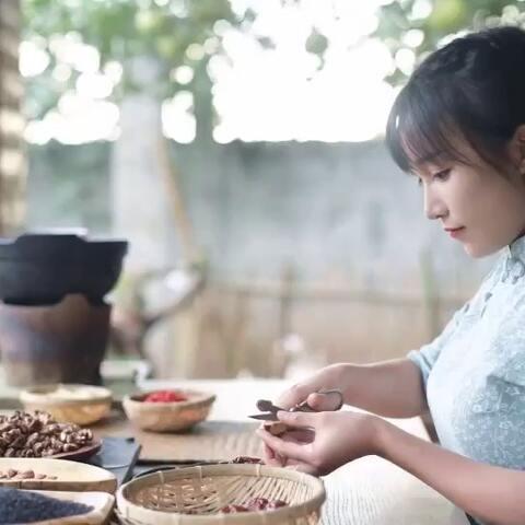 【李子柒美拍】#古香古食# 秋风起,每年这个时...