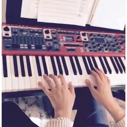 #我要上热门@美拍小助手##U乐国际娱乐# jazz演奏。