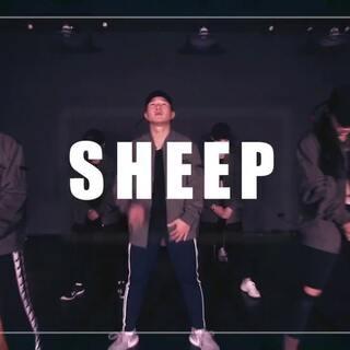 #张艺兴sheep舞##和张艺兴有戏#大志Jonny原创编舞!带上我的花儿们一起sheep!@DSS✨轩 @FEIFEI-BD @瑞安米米 @陶二溜咯 @舞托邦街舞蒋小贝 @wuli.冰 #舞蹈#