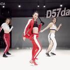 这支还是记录了一下,看到留言里有人想看#swish swish# 😉录的时候机器不停出现问题,一遍遍的重跳,终于拍到个完整的了,辛苦旁边两位宝宝了,给你们五个赞!!😂😘@武汉D舞区舞蹈工作室@美拍小助手 @舞蹈频道官方账号 #舞蹈##BADA编舞#
