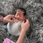 #宝宝#摄影师给新宝宝拍照。是不是萌化了?@美拍小助手