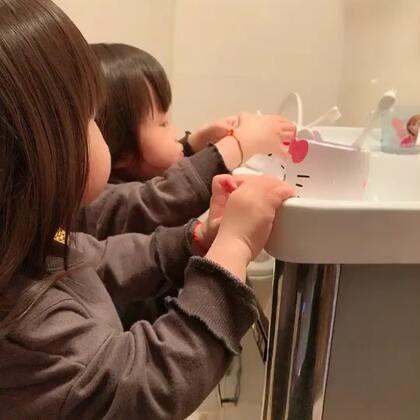 #我要上热门##宝宝刷牙记##宝宝#刷牙牙,洗脸脸,早上好😬