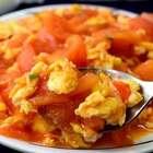 今天更新一道非常简单百吃不厌的番茄炒鸡蛋,我刚学做饭的第一道菜是番茄炒鸡蛋,你们呢?评论告诉我哦!粉丝福利🎉🎉(转赞评抽2位送陶瓷刀+削皮刀套装) #美食##吃秀##万圣节搞怪食谱#