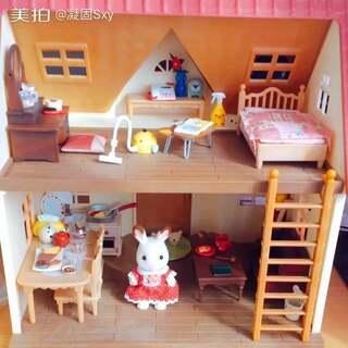 #日本食玩##直播玩玩具##森贝儿家族#今天刚到的~以为要一个多礼拜才能拿到手,没想到1天就到了😆然后拿别的家具食玩装饰了下